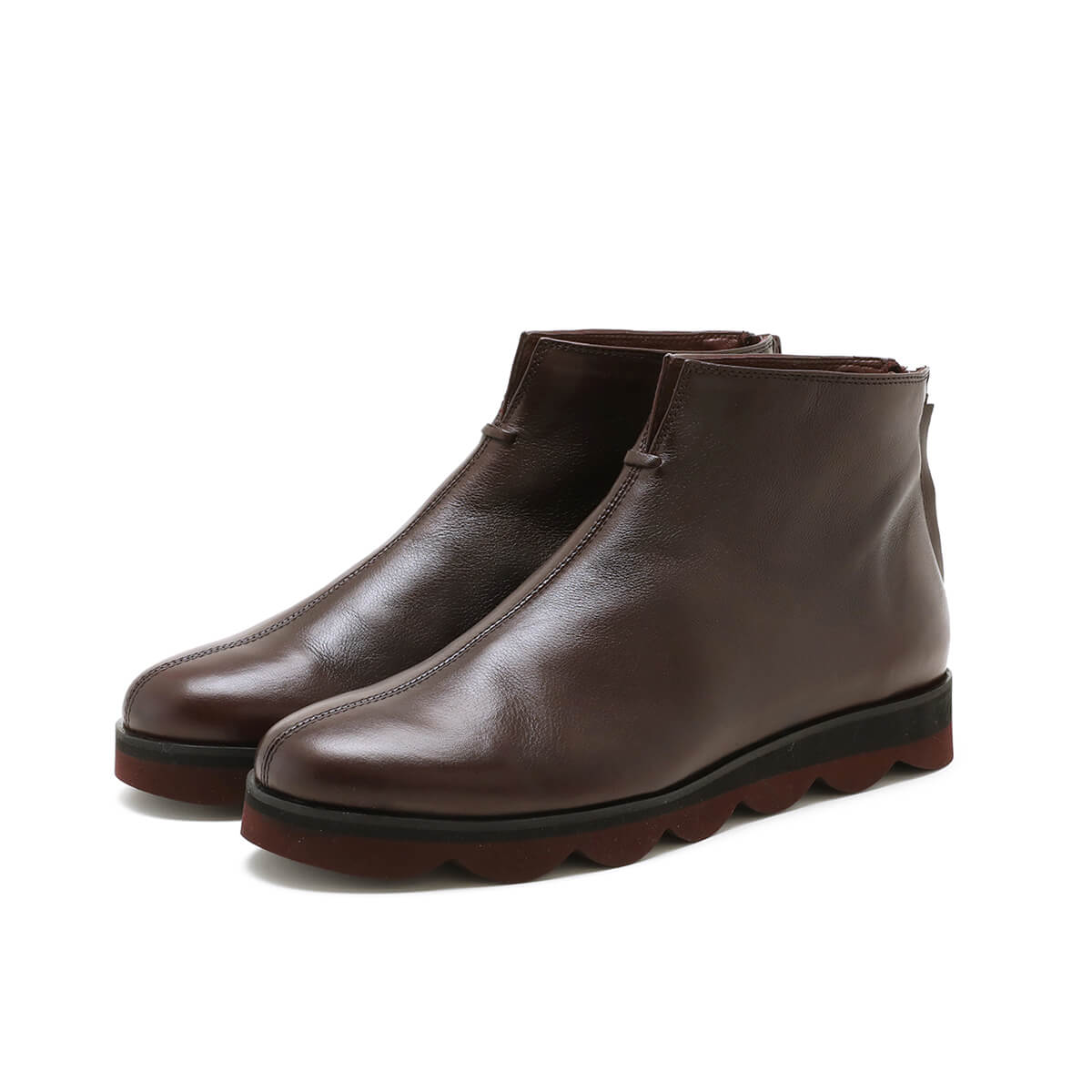 Bordeaux back zip ankle boot with light rubber sole