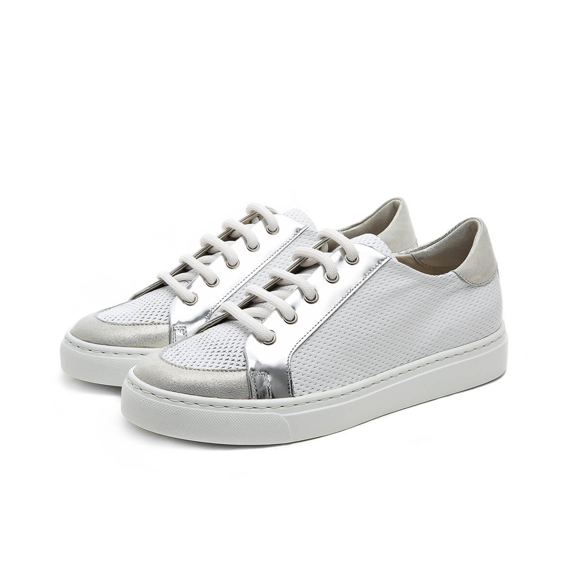 Platform perforated Sneaker white silver